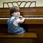 Elliott_Piano_med