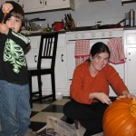 2012_10_31 EnR cut pumpkin